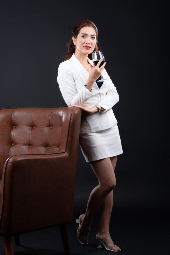 ảnh giám đốc nữ xinh đẹp