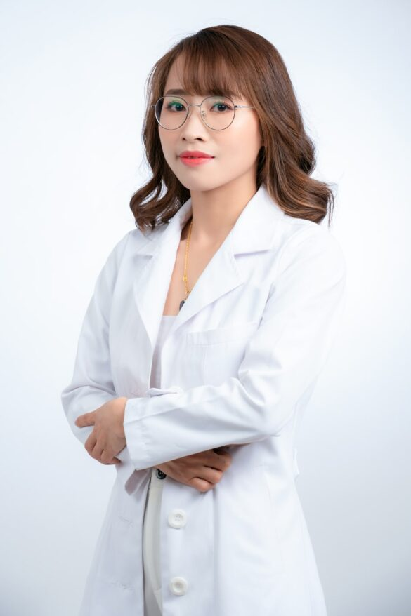 ảnh nữ bác sĩ