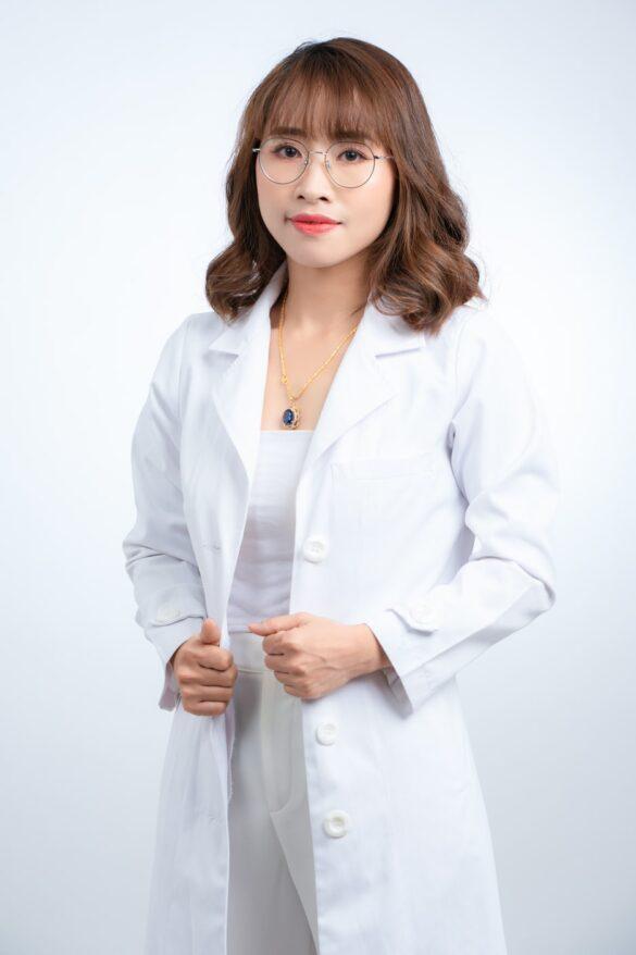 ảnh profile nữ bác sĩ