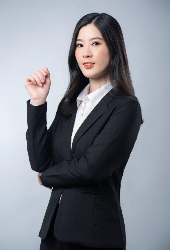 ảnh nữ luật sư